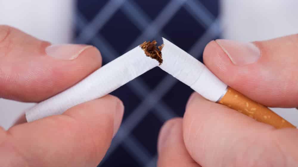 Vencer a dependência de nicotina pressupõedeterminação diária. Muitas vezes, quem deixa de fumar fica mais incomodado. Leia alguns depoimentos de ex-fumantes.