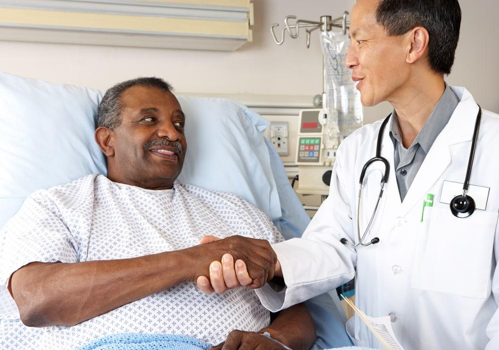 Não é papel do médico julgar comportamentos de acordo com seus critérios morais. Entenda a abordagem da redução de danos.