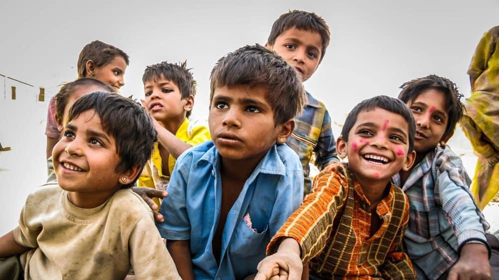 crianças indianas. demografia da Índia
