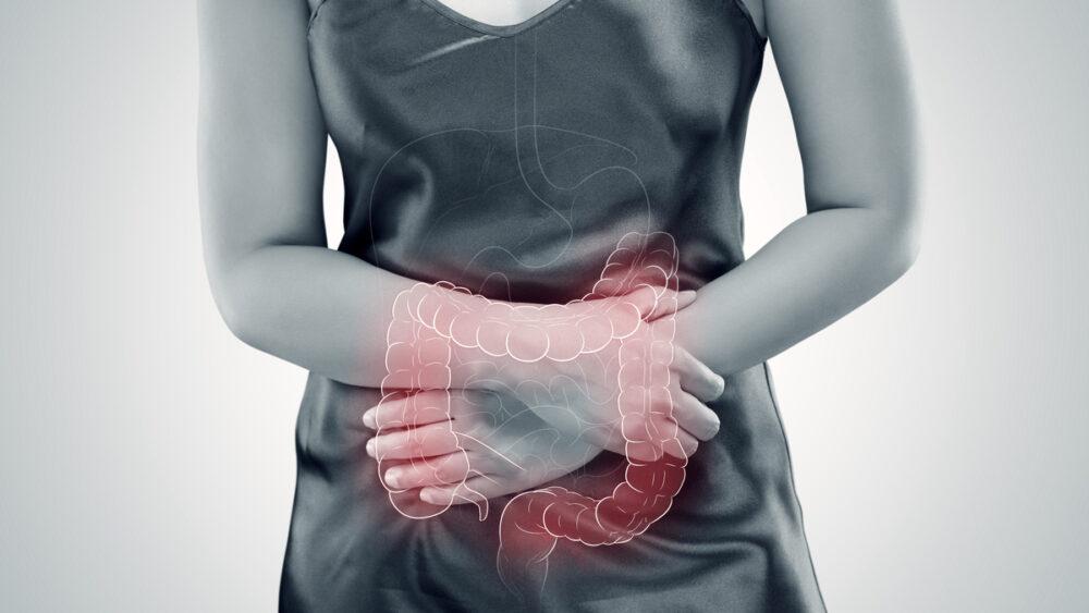 Esta doença inflamatória pode acometer qualquer parte do intestino. Conheça os tratamentos nesta entrevista sobre colite ulcerativa.