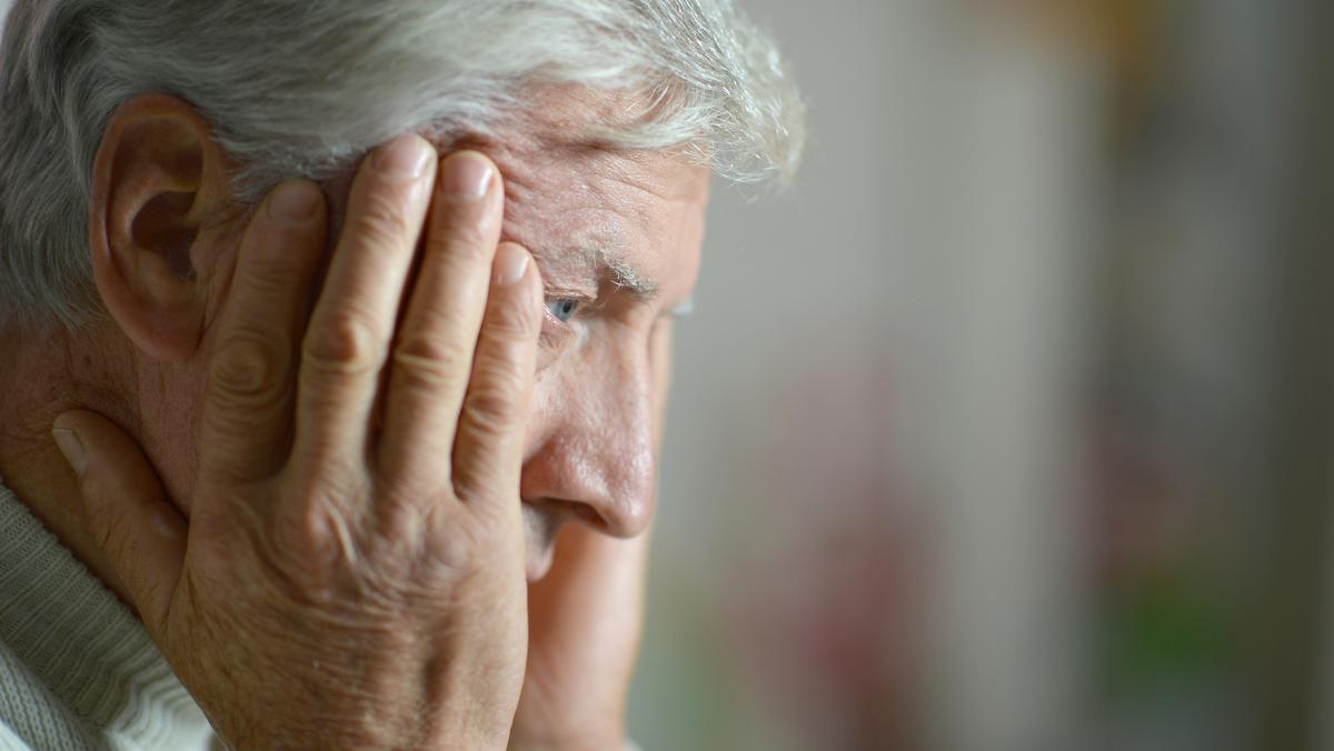 Estudo encontra associação entre doença de Alzheimer e depressão, por meio das neurotoxinas oligômeros de abeta.