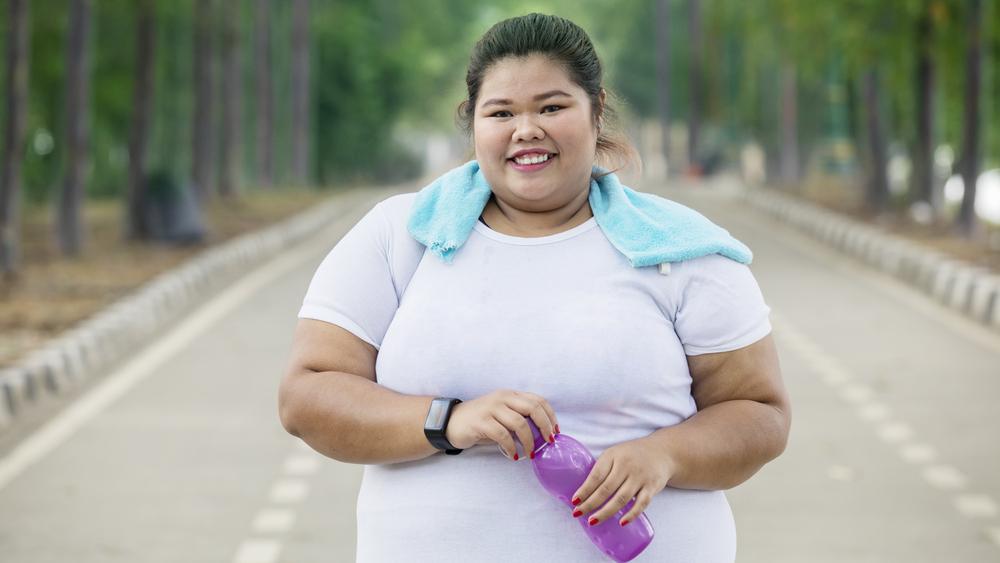 Pessoas acima do peso têm maior risco de sofrer um infarto. Pesquisa concluiu que não há como ser obeso saudável.