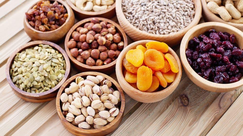potes com frutos secos, que fazem bem à saúde