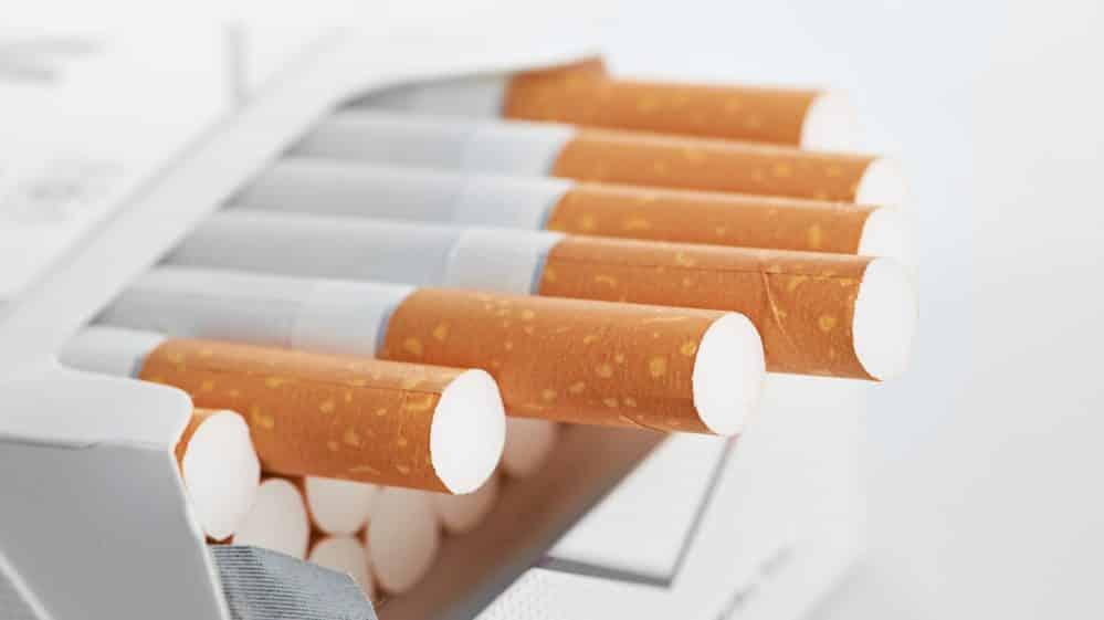 cigarros com filtro em maço