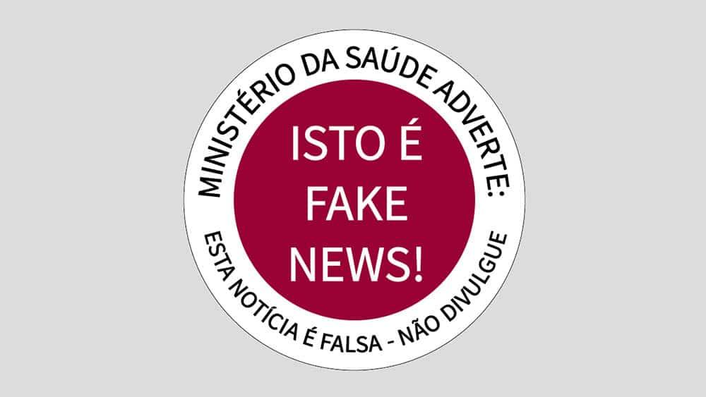 """Selo redondo e vermelho com o texto """"Isot é fake news!"""", criado pelo Ministério da Saúde para identificar notícias sobre saúde que são falsas."""