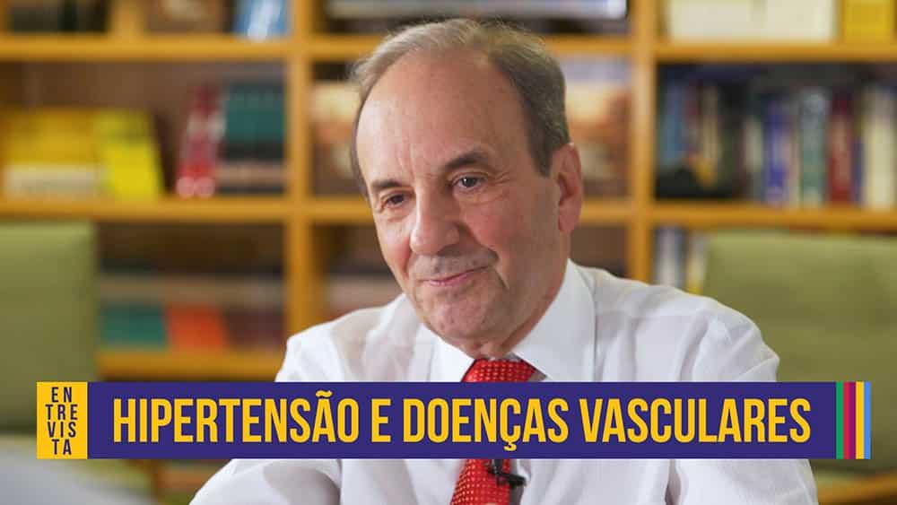 """Dr. Leopoldo Piegas, cardiologista, e abaixo o texto """"hipertensão e doenças vasculares""""."""